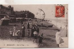 CPA.14.Houlgate.1917.Sur La Plage.animé Personnages - Houlgate