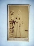PHOTO CDV FEMME TOURANGELLE TENUE TRADITIONELLE COIFFE  Cabinet DUVAL A TOURS - Photos