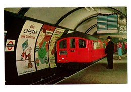 POSTAL POST CARD LONDON TUBE TRAIN SUBWAY UNDERGROUND CON BILLETE EN REVERSO WITH TICKET PICCADILLY CIRCUS STATION VER.. - Australia