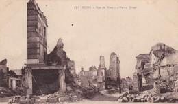 51  REIMS. GUERRE 14-18 .CPA. RUE DE MARS APRES BOMBARDEMENT - War 1914-18