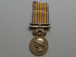 Médaille D' Honneur Des Sapeurs- Pompiers (  Pour Services Exceptionnels) - France
