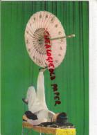 COREE DU NORD- LE CIRQUE DE PYONGYANG - TOURS DE PIEDS PARAPLUIE  PARASOL - Korea, North