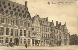 YPRES-IEPER - Grand'Place - Hôtel De Ville - N'a Pas Circulé - Ieper