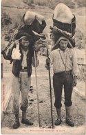 FR66 LES PYRENEES - Labouche 381 - Montagnards En Espadrilles Porteurs De Glace - Animée - Belle - Altri Comuni