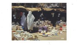 AFRIQUE EN COULEURS  SCENE DE MARCHE   CASSEROLES **** A SAISIR   ***** - Postales