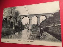 CPA Un Homme Et Son Chien Sur Le Chemin De Halage Devant Le Viaduc  De Sémur Vers 1900  Avec La Ville En Arrière Plan - Semur