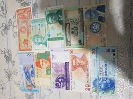 COLLECTION DE 10BANKNOTES UNC..... - Banconote