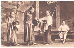 Thailand - ราชอาณาจักรไทย - Siam - Bonze Recueillant Des Aumônes - Missions Salésiennes - Thaïland