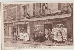 Essonnes  91   La Rue De Paris -le Bar Tabacs-Maison Chaumette Et  Boulangerie_Tres Tres Animées - Essonnes