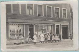 Carte Photo::  BASSE-YUTZ  à Côté De THIONVILLE (Dpt.57):  Coopérative De Basse-Yutz, 97 Rue Nationale En 1930.  (E2783) - Thionville