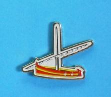 1 PIN'S //   ** EMBARCATION / BARQUE CATALANE ** - Barcos
