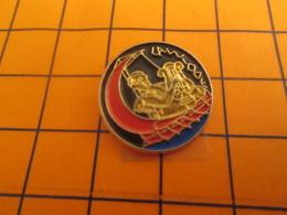 410f Pin's Pins / Beau Et Rare / Thème  / POESIE EPIQUE LA MUSE CALLIOPE De Toutes Les Muses La Plus ... - Pin's & Anstecknadeln