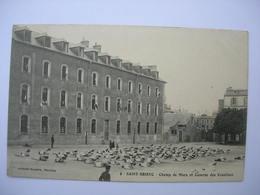 CPA Saint Brieuc.Champ De Mars Et Caserne Des Ursulines. Animation. Franchise Militaire.1913 - Saint-Brieuc