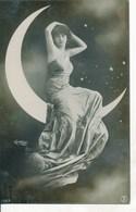 CPA - Fantaisie - Femme Sur Un Croissant De Lune Photo-montage, Par Reutlinger, Paris - Vrouwen