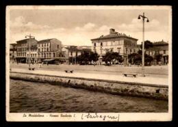 ITALIE - LA MADDALENA - PIAZZA UMBERTO I - Altre Città