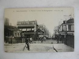 BOIS COLOMBES - Le Passage à Niveau Des Bourguignons (animée) - Francia