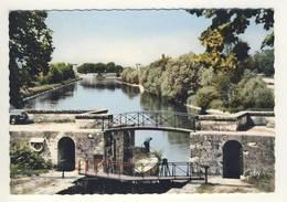 Carte De  Châtillon Sur Loire  ( écluse ) ( Format 15 X 10 Cm )( Recto Verso ) - Chatillon Sur Loire