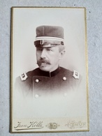 CDV  Portrait Militaire Suisse - Lieutenant - Voir Shako - Photo Jean Jolla, THUN / THOUNE - Superbe État - Guerre, Militaire