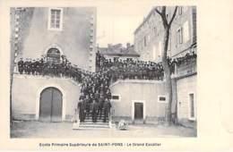 34 - SAINT PONS : Ecole Primaire Supérieure : Le Grand Escalier - CPA - Hérault - Autres Communes