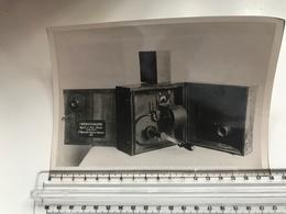 Photo Ancienne Grand Format Cinématographe Auguste Et Louis Lumière - Objets