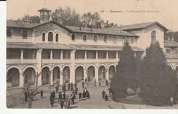 Bayonne ( Pyrénées Atlantiques) La Grande Cour Du Lycée , Animée - Bayonne