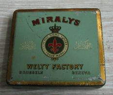 AC - MIRALYS WELTY FACTORY BRUSSELS GENEVA TURKISH LEAF SCOUT EMBLEM CIGARETTE - TOBACCO EMPTY VINTAGE TIN BOX - Empty Tobacco Boxes