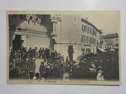 Cpa, Trés Belle Vue Animée, LA LOUVESC, Fête Du 15 Août, La Procession - La Louvesc