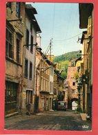 VILLECOMTAL - Porte Et Vieilles Maisons - - Otros Municipios