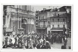 22841 -  DIJON - Carte Photo Place Du Théâtre, Café De La COMEDIE, ENSEIGNE BYRRH, Fanfare RARE - Dijon