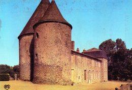 POUZAUGES  Château Des Echardières - Pouzauges