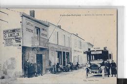 PORT DES BARQUES  TOP  CAFE DU COMMERCE  G. AMELIN   AUTOBUS  PERSONNAGES      DEPT  17 - Frankrijk
