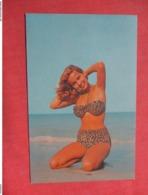 Pin Up     Title  Posing  Ref 3736 - Pin-Ups