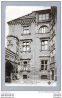 C.P.A  DE  TOULOUSE   ----  COUR  DE  L ' HOTEL  DE MAYNIER OU DE LASBORDES  -- FENETRES  HENRI III  .   . - Toulouse