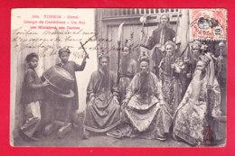 E-Vietnam-319A30  HANOI, Groupe De Comédiens, Un Roi, Ses Ministres, Ses Gardes, Cpa BE - Viêt-Nam