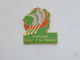 Pin's DRAKKAR, NORMAND, MAIT' D UN MONDE - Avions