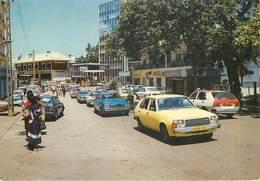GABON - LIBREVILLE - Rue Du Centre - Gabon