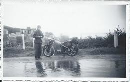 Photo  De Saint Michel En Grève Dp 22 - Personnage En Moto  En 1938 - Saint-Michel-en-Grève