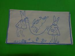 Porte Serviette Pour Enfant (lapin Corde A Sauter Etc... - Habits & Linge D'époque