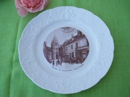 Assiette Décorative Régionale Porcelaine VIERZON 18100 Cher - Obj. 'Souvenir De'