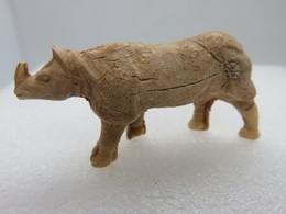 207 - Ancienne Figurine - Animal Sauvage - Le Rhinocéros D'Inde - Plastique - Figurillas