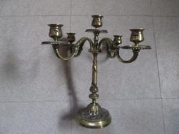 Un Chandeliers  5 Feux  Tres Lourd . Bronze? - Otros