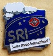SRI - SWISS RADIO INTERNATIONAL - LOGO - NUAGE - CLOUD - ETOILES - STARS - RADIO SUISSE INTERNATIONALE   - (23) - Medios De Comunicación