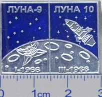 450-14 Space Russian Pin. Luna-9-10. Soviet Moon Program - Space