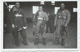 Photo  Retour Des Aviateurs Avec 3 Noms Au Dos Vers 1938 - Uniformes