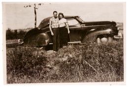 AUTOMOBILE   1950  COUPLE - Coches
