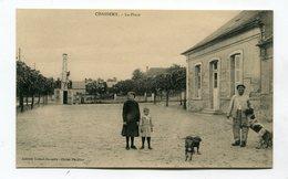 CPA  02 :  CHASSEMY  La Place Animée     A  VOIR   !!!! - France