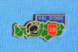 1 PIN'S //  ** SAPEURS POMPIERS DU VAL D'OISE / 18 ** - Pompiers