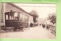 COUR Et BUIS - Poste Et Route De Vienne - Magnifique Plan Sur Arrivée Des AUTOBUS -  2 Scans - Autobus & Pullman