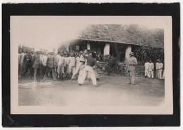 Photo Originale Viet Nam Indochine Tonkin Militaria Coloniaux Tirailleurs Annamites Leçon De Boxe - Guerre, Militaire