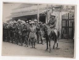 Photo Originale Viet Nam Indochine Tonkin Militaria Coloniaux Tirailleurs Annamites Officiers 1 Nommé - Oorlog, Militair